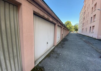 Location Garage 12m² Grenoble (38100) - Photo 1