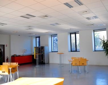 Location Bureaux 1 pièce 100m² Voiron (38500) - photo