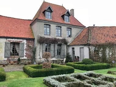 Vente Maison 11 pièces 236m² Montreuil (62170) - photo