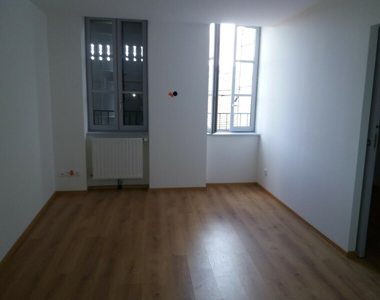 Location Appartement 64m² Thizy (69240) - photo