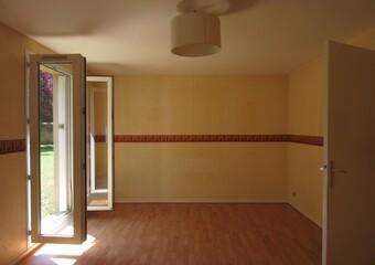 Location Appartement 3 pièces 65m² Pacy-sur-Eure (27120) - photo 2