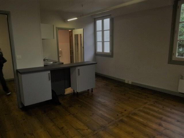 Location Appartement 1 pièce 27m² Cambo-les-Bains (64250) - photo
