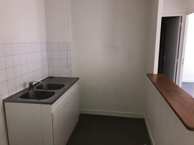 Location Appartement 3 pièces 59m² Saint-Étienne (42000) - Photo 5