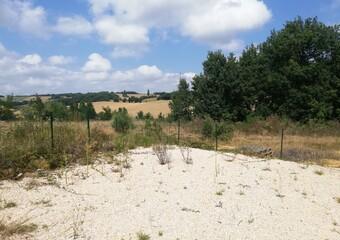 Sale Land 3 300m² 10MN LOMBEZ