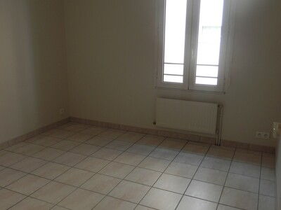 Location Appartement 2 pièces 46m² Dax (40100) - Photo 5