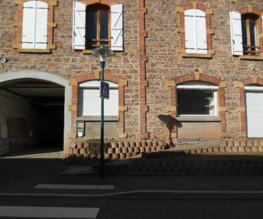 Location Local commercial 4 pièces Thizy (69240) - photo