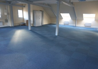 Location Local commercial 382m² Lillebonne (76170) - Photo 1
