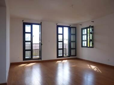 Location Appartement 3 pièces 68m² Saint-Denis (97400) - photo
