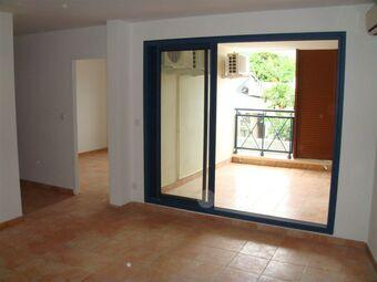Location Appartement 3 pièces 62m² Sainte-Clotilde (97490) - photo