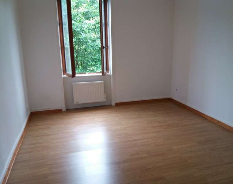 Location Appartement 50m² Amplepuis (69550) - photo