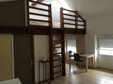 Location Appartement 1 pièce 27m² Saint-Marcellin (38160) - photo