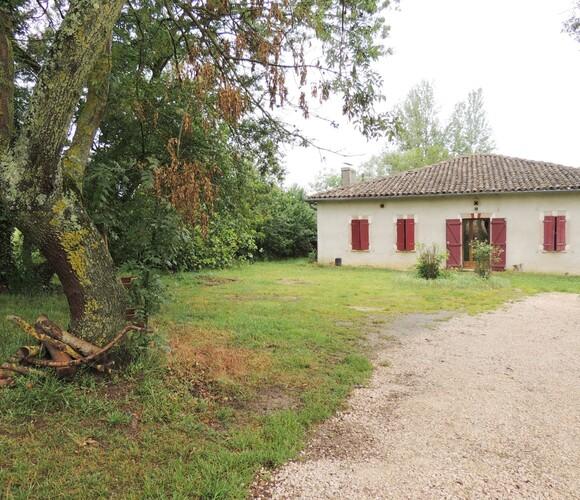 Location Maison 5 pièces 106m² Saint-Lizier-du-Planté (32220) - photo