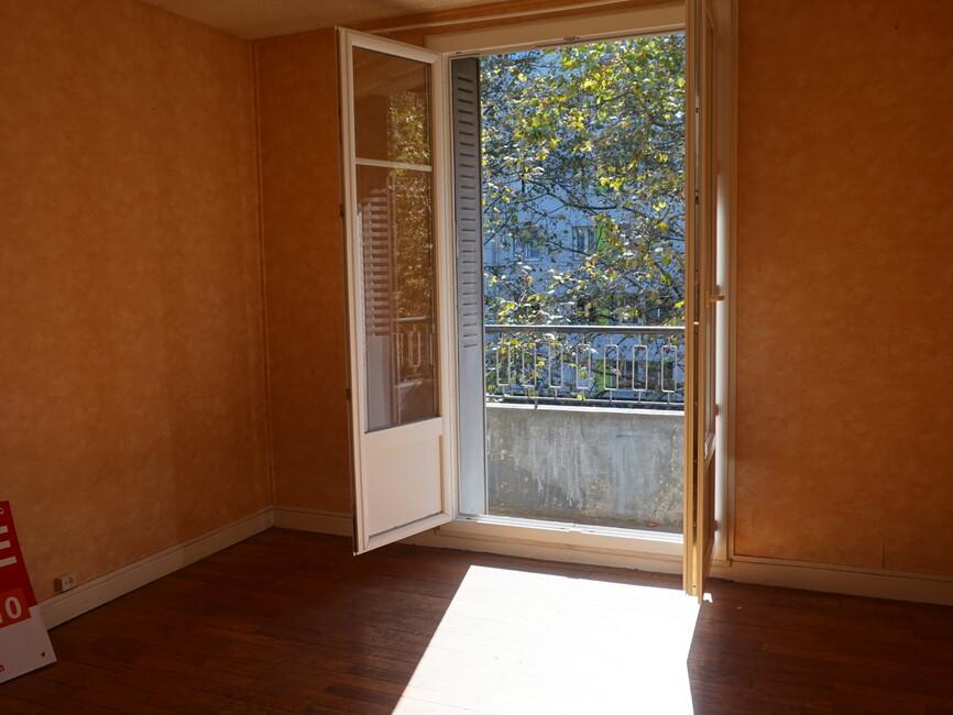 vente appartement grenoble 38100 142781. Black Bedroom Furniture Sets. Home Design Ideas