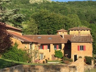 Vente Maison 8 pièces 330m² Ville-sur-Jarnioux (69640) - photo