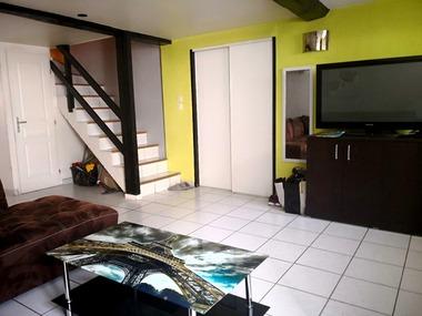Vente Maison 5 pièces 118m² Saint-Étienne-de-Saint-Geoirs (38590) - photo