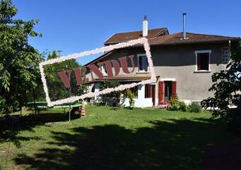 Vente Maison 4 pièces 105m² Saint-Étienne-de-Saint-Geoirs (38590) - Photo 1