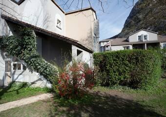 Renting Apartment 3 rooms 67m² Saint-Égrève (38120) - Photo 1