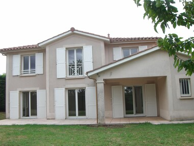 Location Maison 5 pièces 157m² Millery (69390) - photo