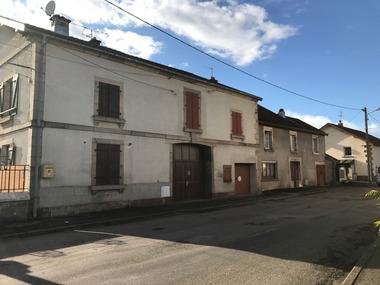 Location Appartement 3 pièces 81m² Luxeuil-les-Bains (70300) - photo
