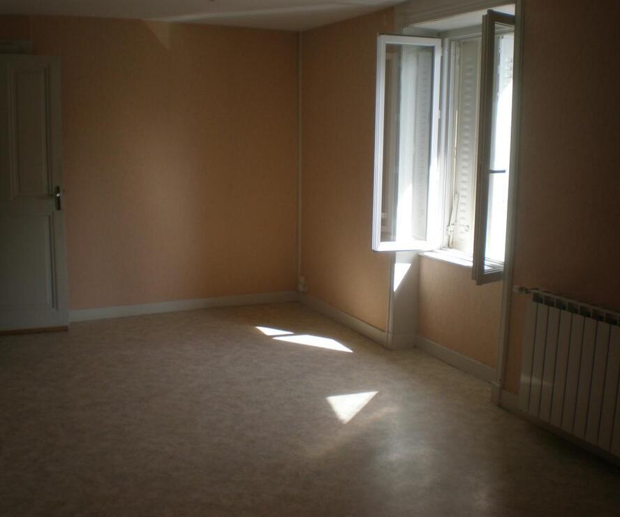 Location Appartement 2 pièces Cours-la-Ville (69470) - photo