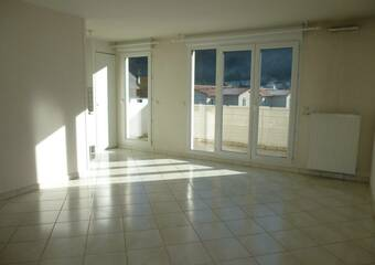 Renting Apartment 2 rooms 49m² Le Versoud (38420) - Photo 1