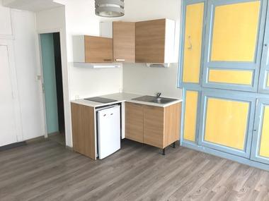 Location Appartement 1 pièce 21m² Arras (62000) - photo