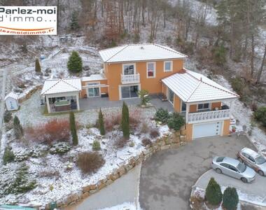 Vente Maison 8 pièces 175m² Bas-en-Basset (43210) - photo