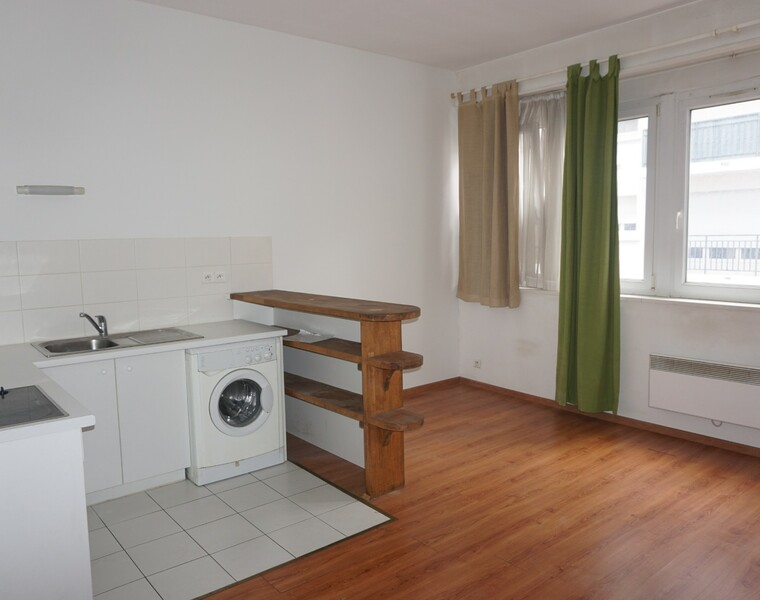 Renting Apartment 2 rooms 39m² Pau (64000) - photo
