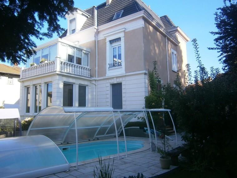 Vente Maison 11 pièces 265m² Cours-la-Ville (69470) - photo