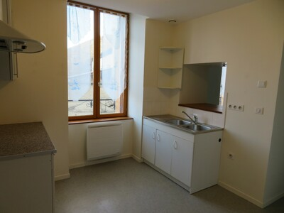 Location Appartement 47m² Billom (63160) - photo