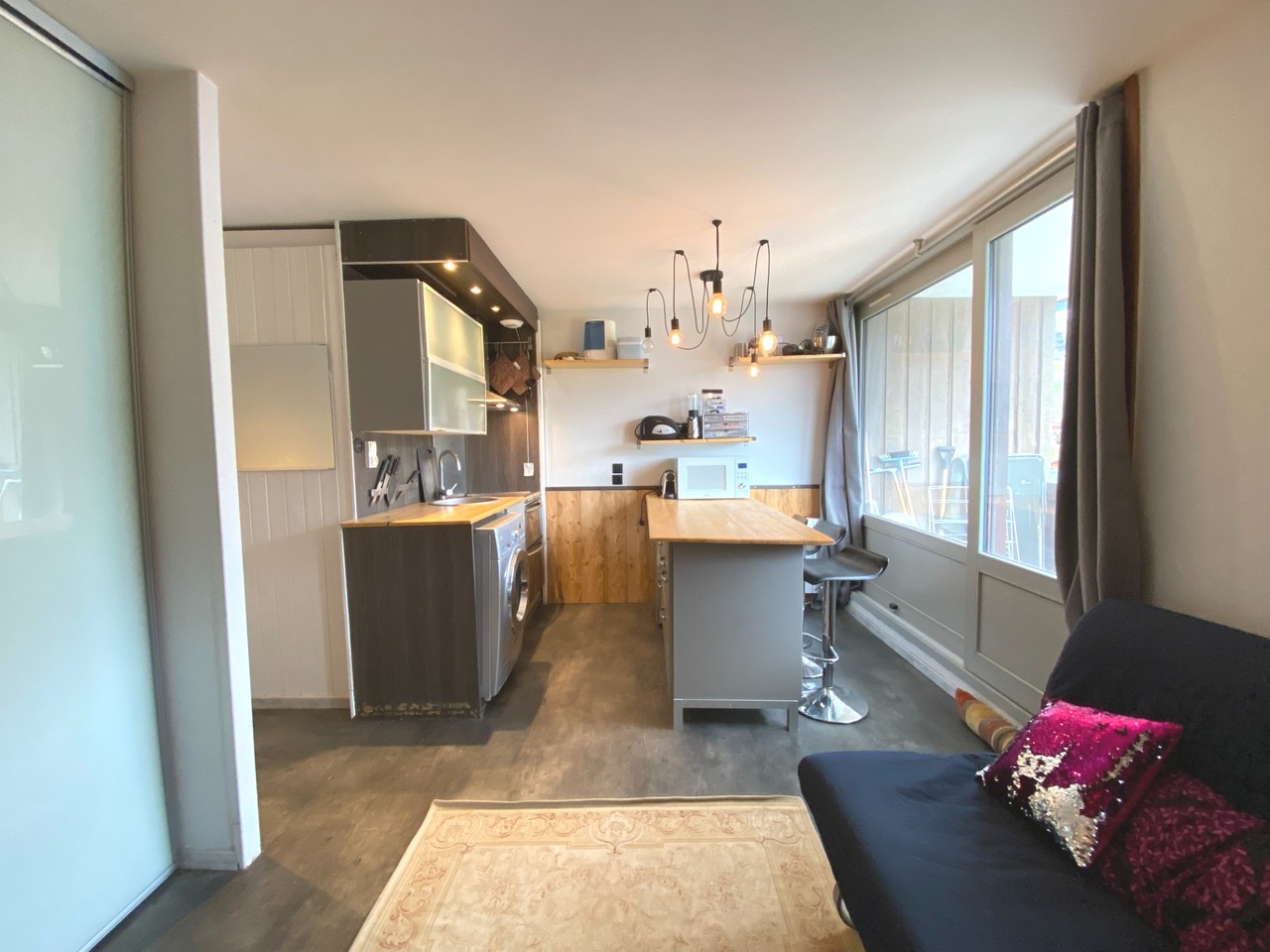 TOP FLOOR APARTMENT ON THE SKI SLOPES Accommodation in Val Thorens
