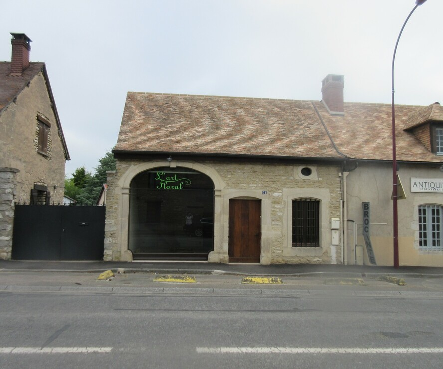 Location Local commercial 1 pièce 79m² Saint-Aquilin-de-Pacy (27120) - photo