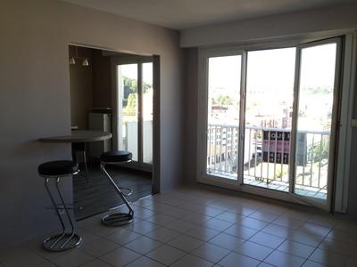 Location Appartement 2 pièces 66m² Saint-Étienne (42000) - Photo 3