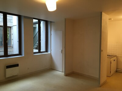 Location Appartement 1 pièce 36m² Saint-Étienne (42000) - photo