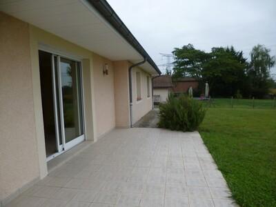 Location Maison 4 pièces 97m² Momas (64230) - Photo 19