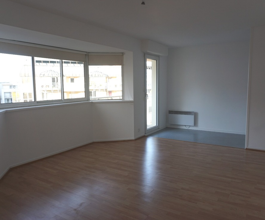 Renting Apartment 1 room 30m² Pau (64000) - photo