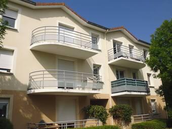 Location Appartement 2 pièces 54m² Bellerive-sur-Allier (03700) - photo
