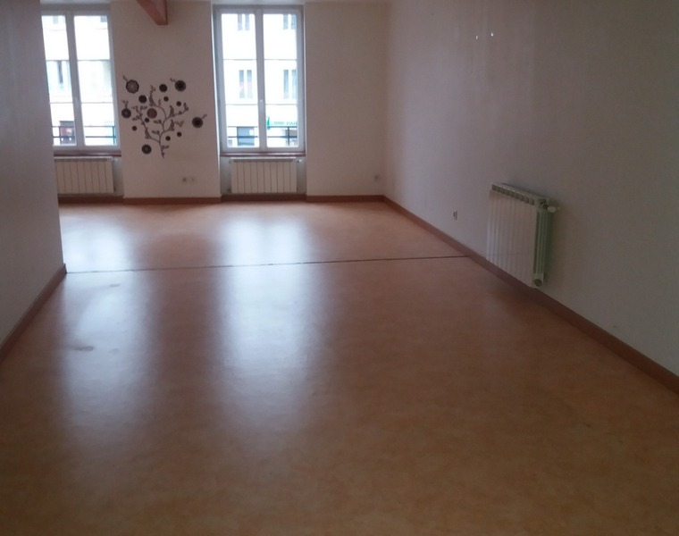 Location Appartement 80m² Cours-la-Ville (69470) - photo