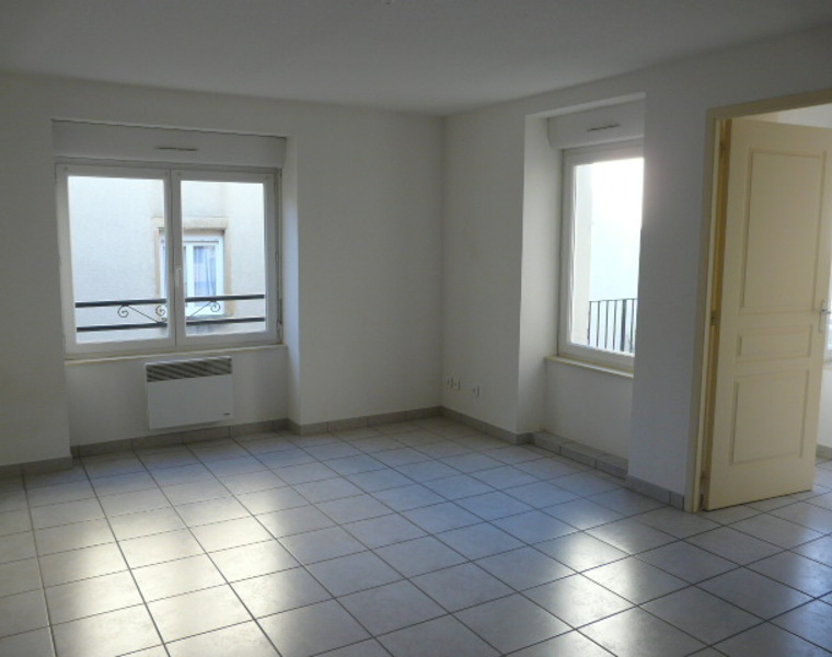 Location Appartement 50m² Chauffailles (71170) - photo