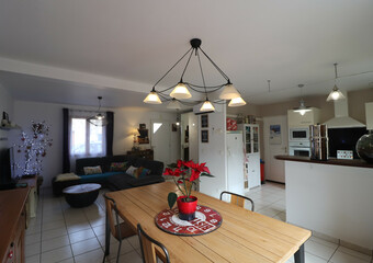 Sale House 5 rooms 95m² Saint-Pierre-d'Allevard (38830) - photo