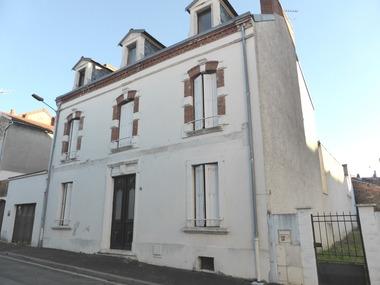 Vente Immeuble Vichy (03200) - photo