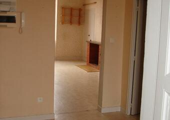 Location Appartement 4 pièces 75m² Rieumes (31370) - photo 2