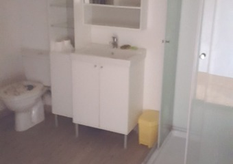 Renting Apartment 1 room 28m² Pau (64000) - photo 2
