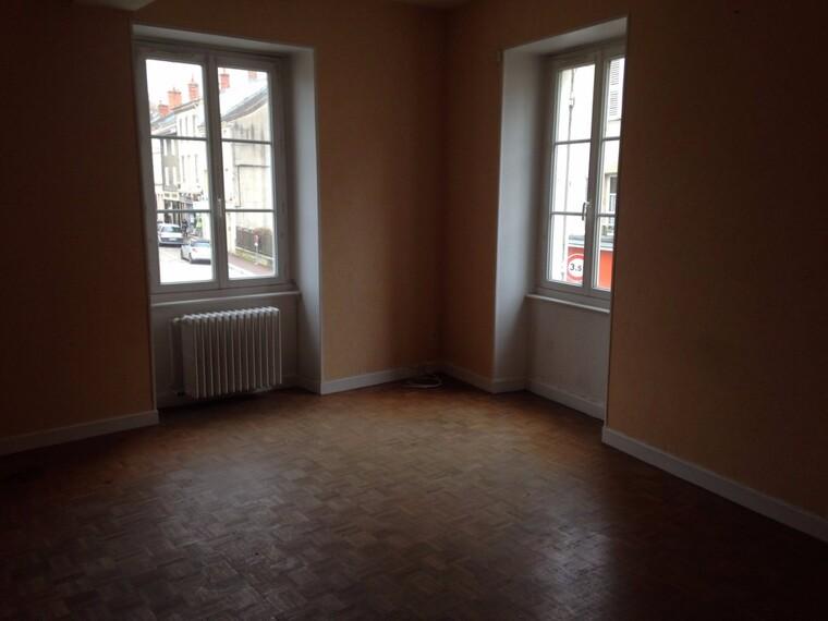 Location Appartement 70m² La Clayette (71800) - photo