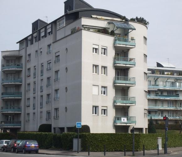 Location Garage 13m² Grenoble (38100) - photo