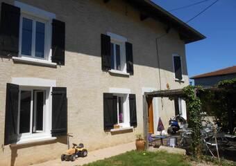 Vente Maison 9 pièces 259m² Saint-Étienne-de-Saint-Geoirs (38590) - Photo 1