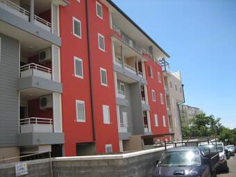 Location Appartement 2 pièces 34m² Sainte-Clotilde (97490) - photo