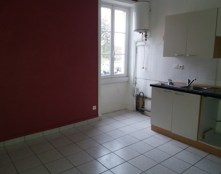 Location Appartement 79m² Charlieu (42190) - photo