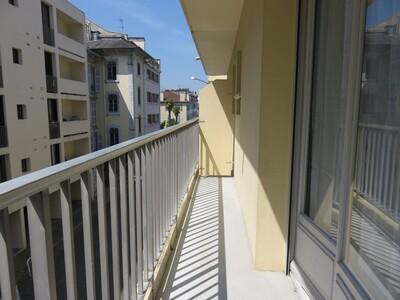 Location Appartement 1 pièce 28m² Pau (64000) - Photo 11