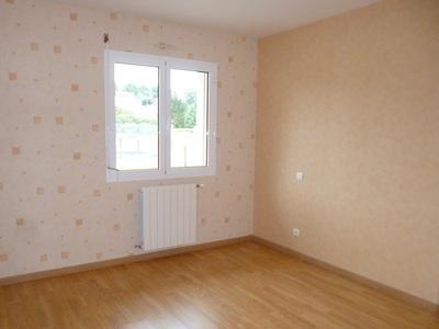 Location Maison 4 pièces 97m² Momas (64230) - Photo 12